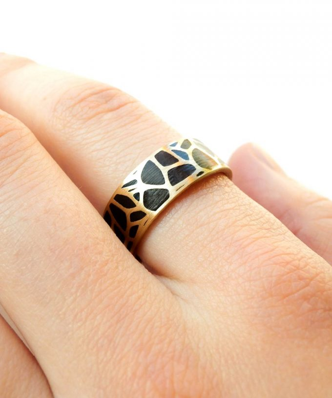 Voronoi Ring on Hand
